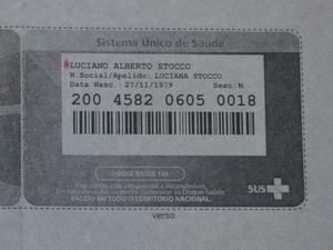 Cartão tem nome de batismo mais 'destacado' que nome social (Foto: Thomaz Fernandes)
