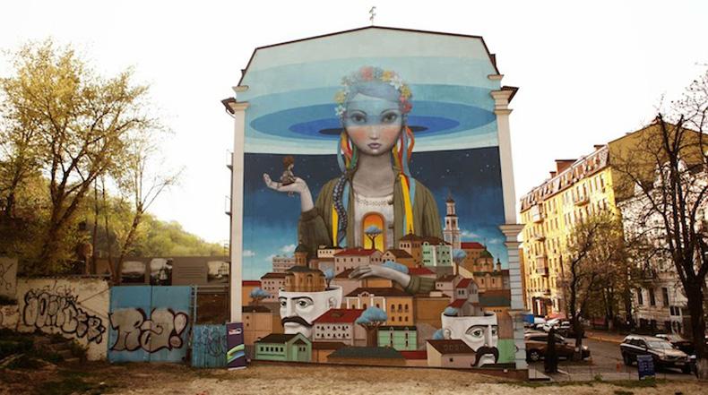 Expansivo mural en Ucrania transmite esperanza de un mejor futuro