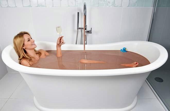 Rubinetto Vasca Da Bagno In Inglese : News net regala alla fidanzata un bagno al cioccolato la vasca
