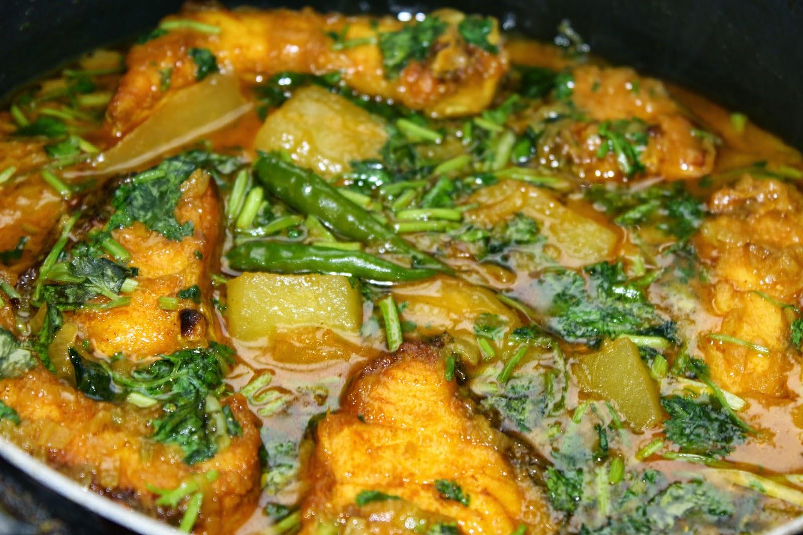 Bengali Recipe: Fish With Green Papaya Curry