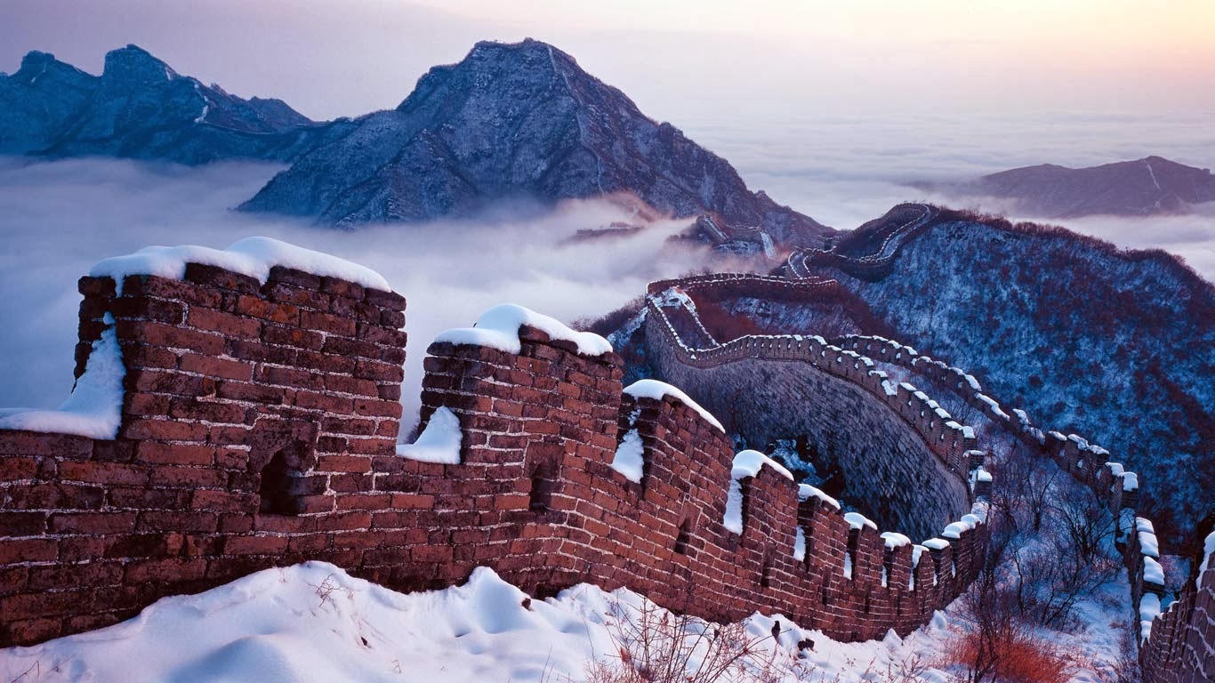 Snow on the Great Wall, Beijing, China (© Panorama Stock) 422