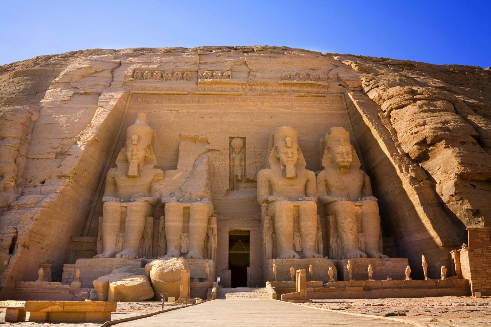 Alinhamento Solar No Templo De Abu Simbel 22 De Fevereiro