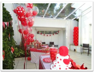 cómo decorar el patio para una fiesta con globos y decoración de fiesta - cómo adornar el patio de la casa para una fiesta de cumpleaños con globos y cosas de cumpleaños, decoración linda en el patio para una fiesta de cumpleaños, cómo decorar la mesa del pastel en una fiesta infantil de cumpleaños, como puedo adornar mi casa para una fiesta de cumpleaños de mi bebé niño hijo hija