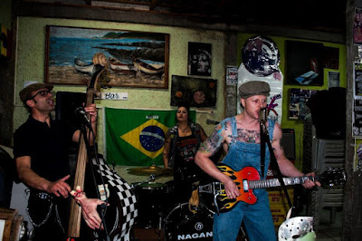 Cwbillys no Lino's Bar em Curitiba, PR. 2015