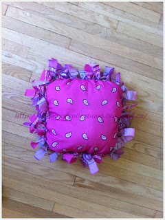 How to make no-sew mini tote and cushion with bandana