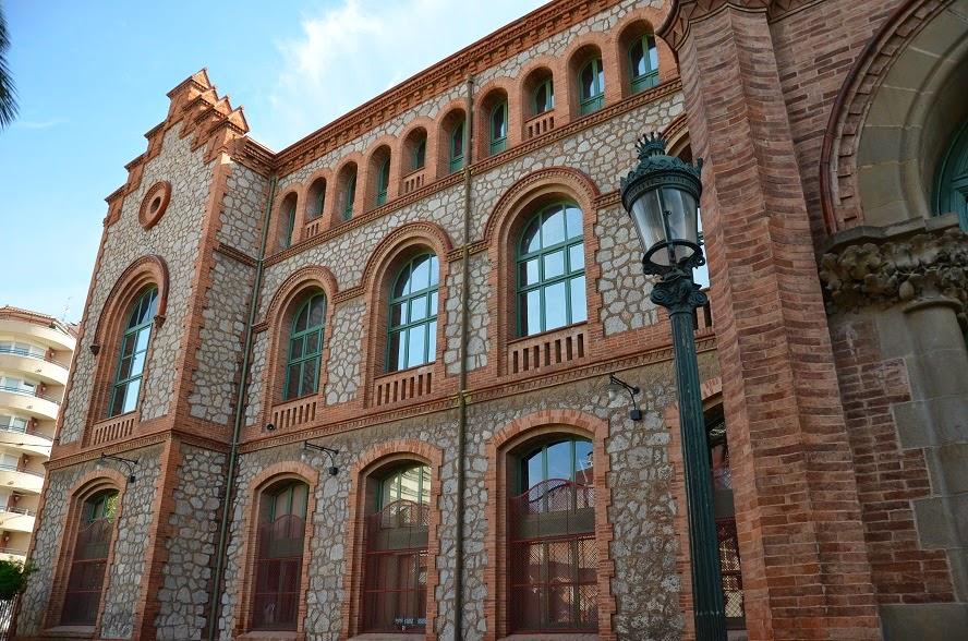 El palau d 39 ind stries de terrassa km369 viatges rutes - Arquitectos terrassa ...