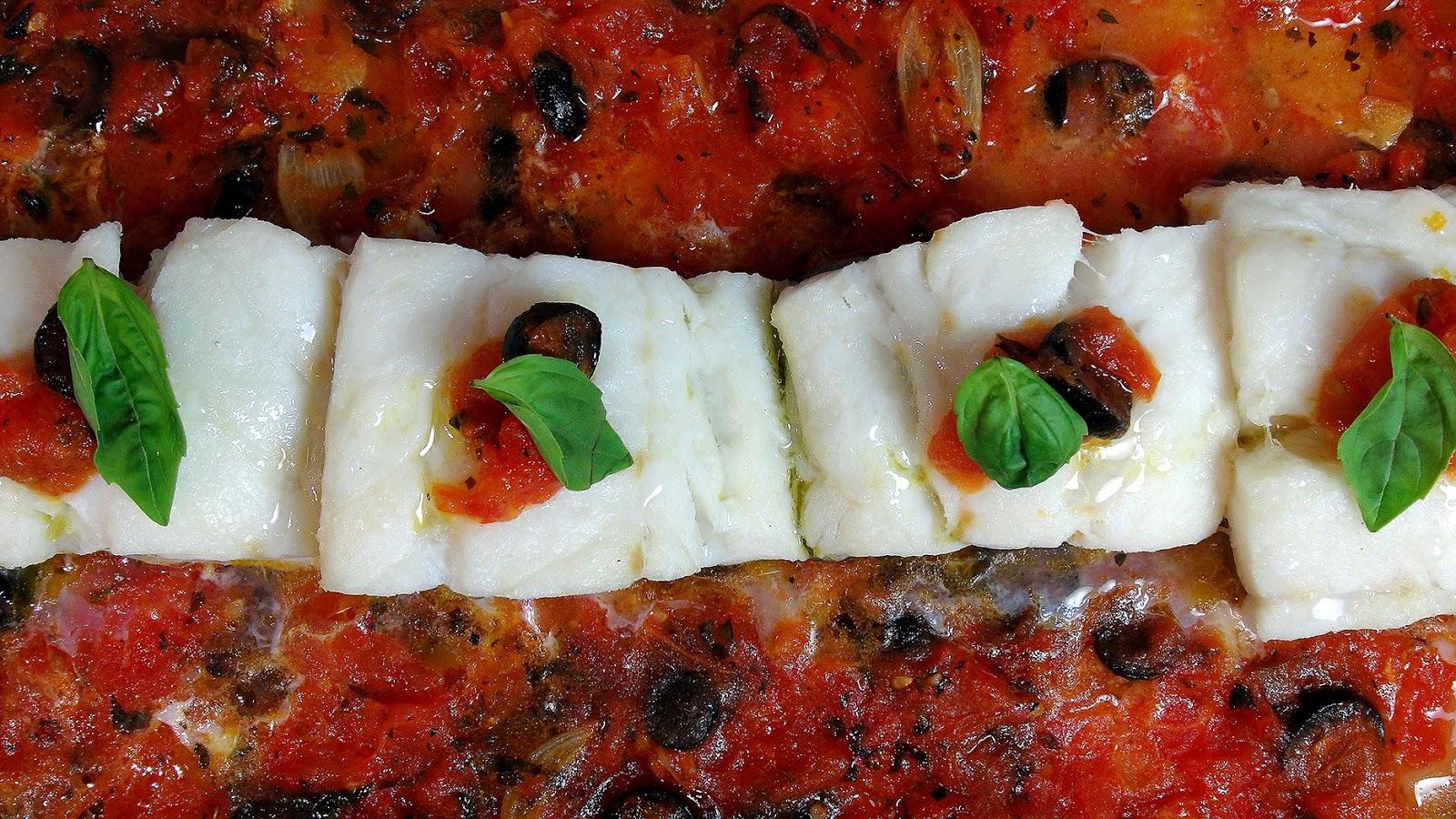 Cocinar para los amigos bacalao con tomate y aceitunas for Cocinando para los amigos