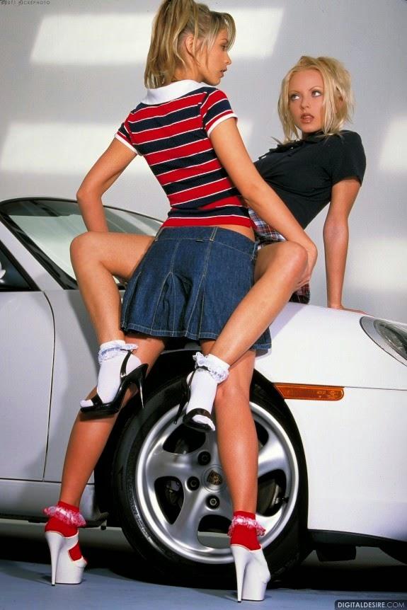girls kissing girls in cars