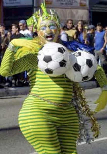 funny football accidents Photo