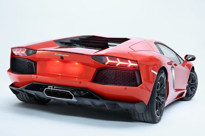 Lamborghini Aventador back view