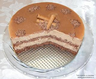 tort mousse, torturi, prajituri, tort, dulciuri, mousse, deserturi, tort mousse de ciocolata, tort cu crema mousse au chocolat, torturi si prajituri cu ciocolata, retete culinare, tort festiv, tort nunta, tort onomastica,