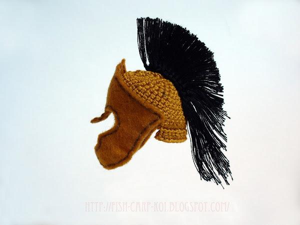Шлем вязанный, с деталями из фетра