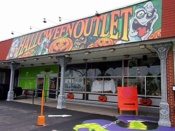 halloween outlet has been around for two decades and its slogan is we sell fright right the exterior of the store absolutely demands that you pull into
