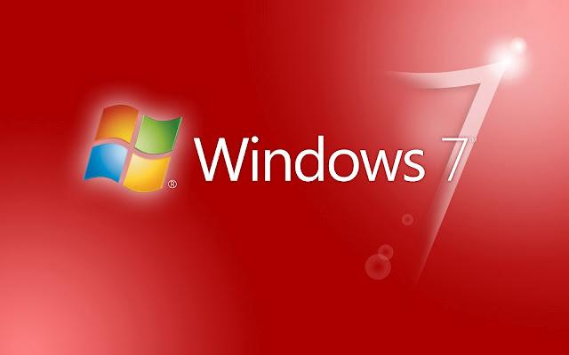 Rode Windows 7 wallpaper met witte letters en logo in verschillende kleuren