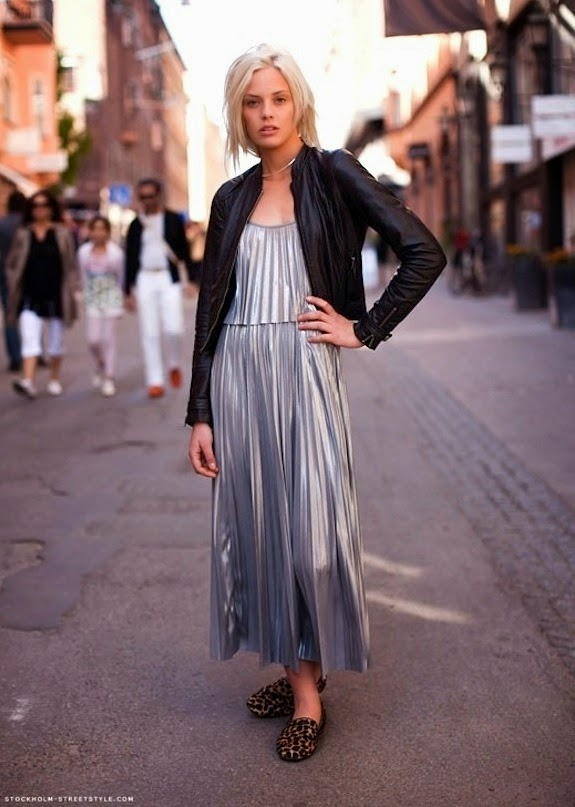 pleated-maxi dress-street-style