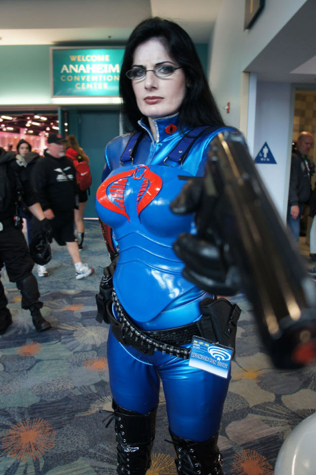 10 Most Attractive Girls In Costumes From WonderCon 2012