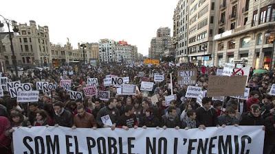 Manifestación Valencia 2012: Somos el pueblo, no el enemigo
