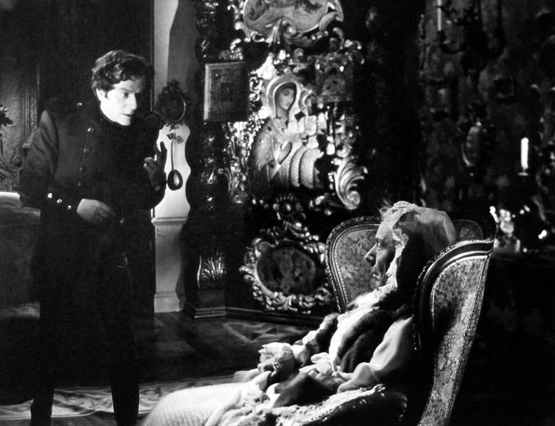 Anton Walbrook and Edith Evans in The Queen of Spades
