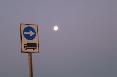 obbligo per i camion di andare sulla luna