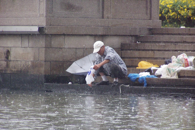 Washing your dishes in the river Suzhou