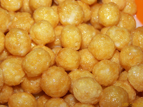 Corn puffs cereal