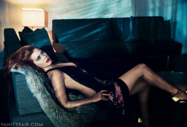 Amy Adams deja ver sus tetas para Vanity Fair Magazine