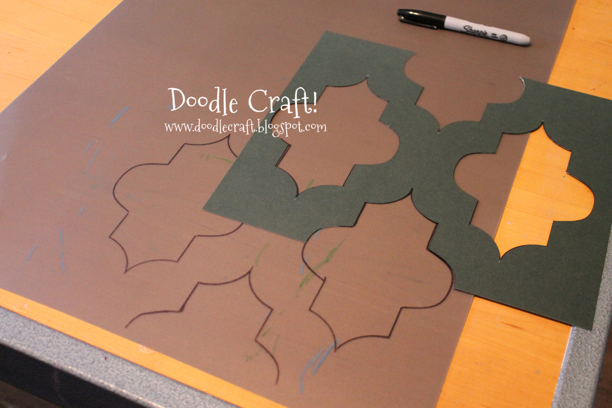 Doodlecraft stencil a round kitchen table tutorial for Table design patterns
