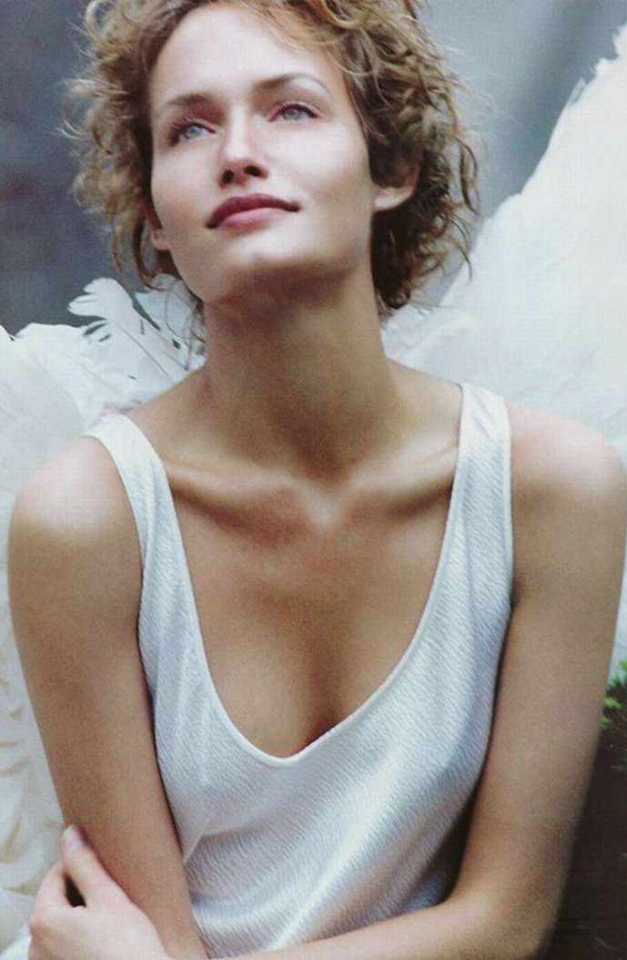 Amber Valletta photographed by Peter Lindbergh and styled by Paul Cavaco for Angel / Harper's Bazaar US December 1993 / via fashioned by love british fashion blog
