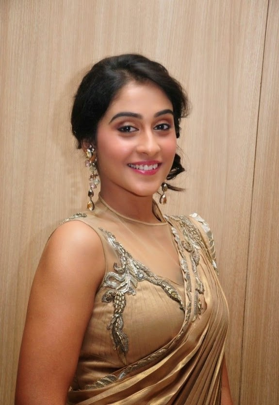 Regina Cassandra Spicy Look In Golden Sarer