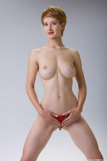 Hot Naked Girl - rs-femjoy_112285_012-735214.jpg