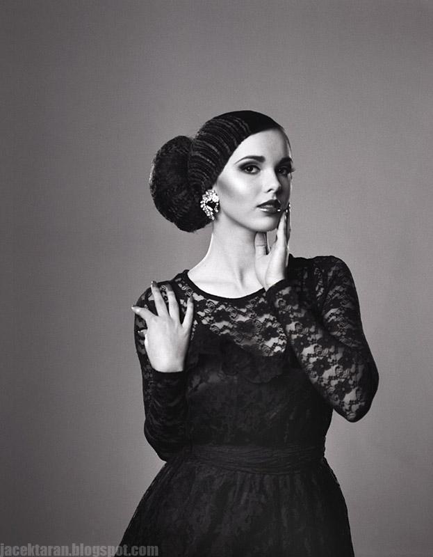 sesja beauty, fashion krakow, jacek taran, agnieszka cynarska-taran, studio kawa, fotopracownia, mamiya, ilford, fotografia analogowa