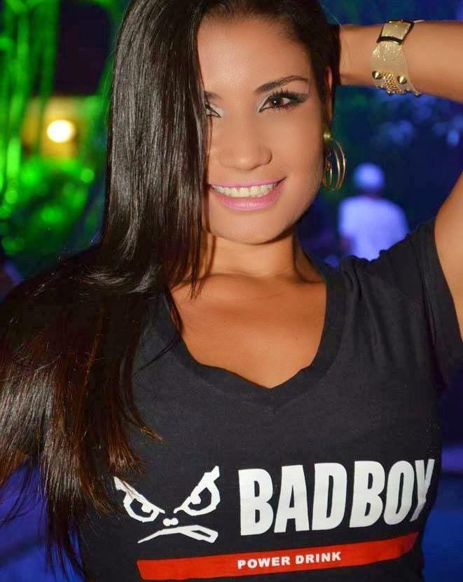A maravilhosa modelo Elaine Vasconcellos foi eleita a melhor promotora de 2013 pela Bad Boy