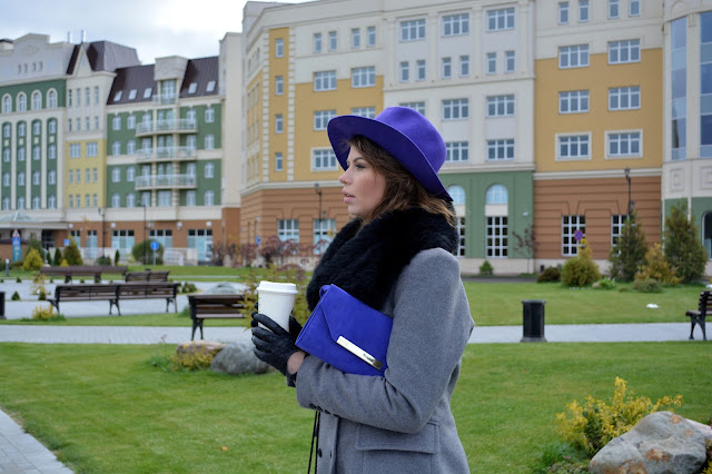 Travel and lifestyle blogger Ninelly