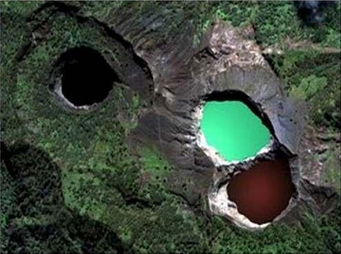 Danau Kelimutu Dari Atas