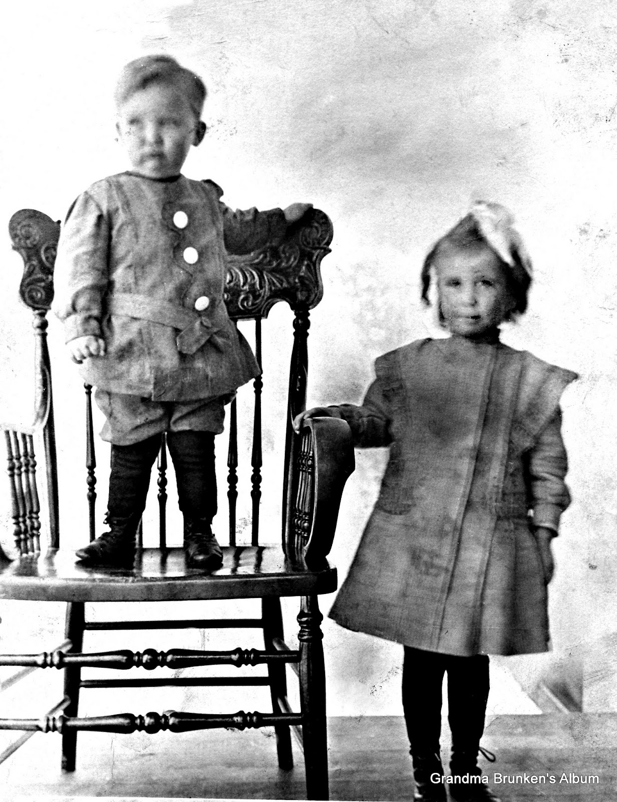 William and Mary Brunken Children - 1910