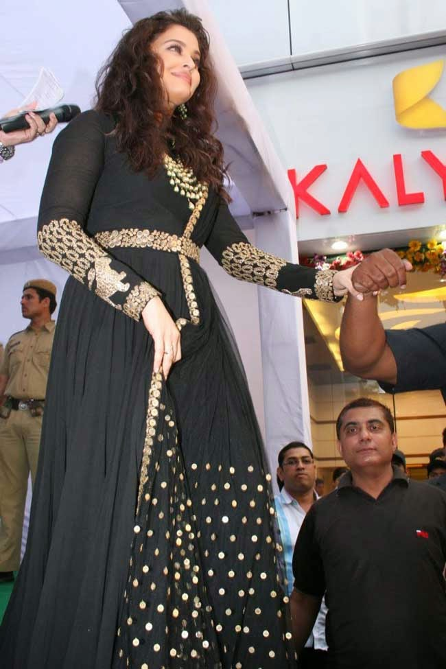 Aishwarya Rai at Kalyan Jewellers