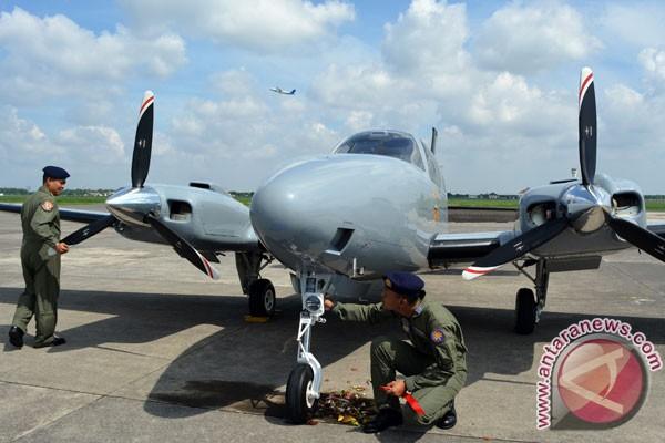Puspenerbal TNI AL miliki pesawat latih lanjut Baron G-58