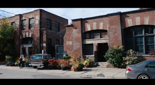 Vista del loft industrial de Leo