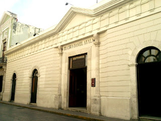 Fachada Teatro Daniel Ayala Merida