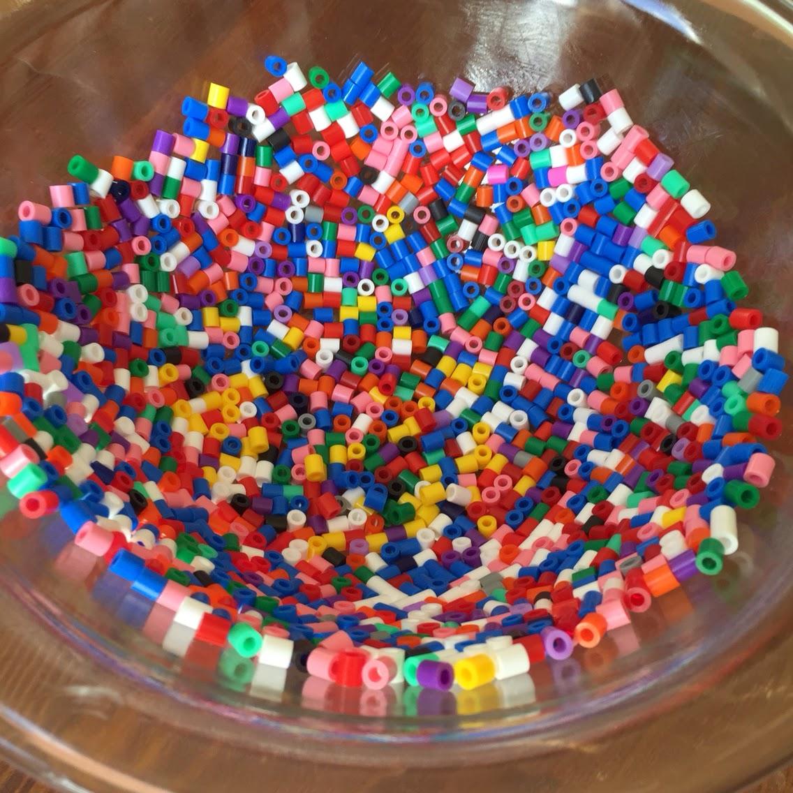 pyssla pärlor nabbi hama pärlplatta barn pyssel tips inspiration barnpyssel