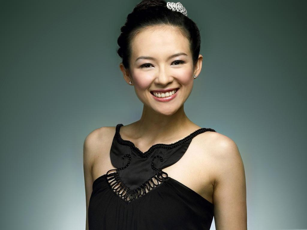 http://2.bp.blogspot.com/-bXSpWppfTZo/TVQmzAm11KI/AAAAAAAANjQ/GR0R_VjYvmM/s1600/Zhang-Ziyi-Sexy-Smile.jpg
