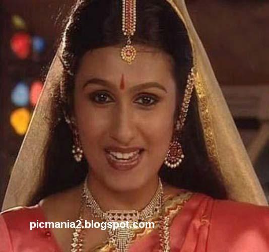 kavitha nair navel malayalam serial actress kavitha nair navel kavitha ...