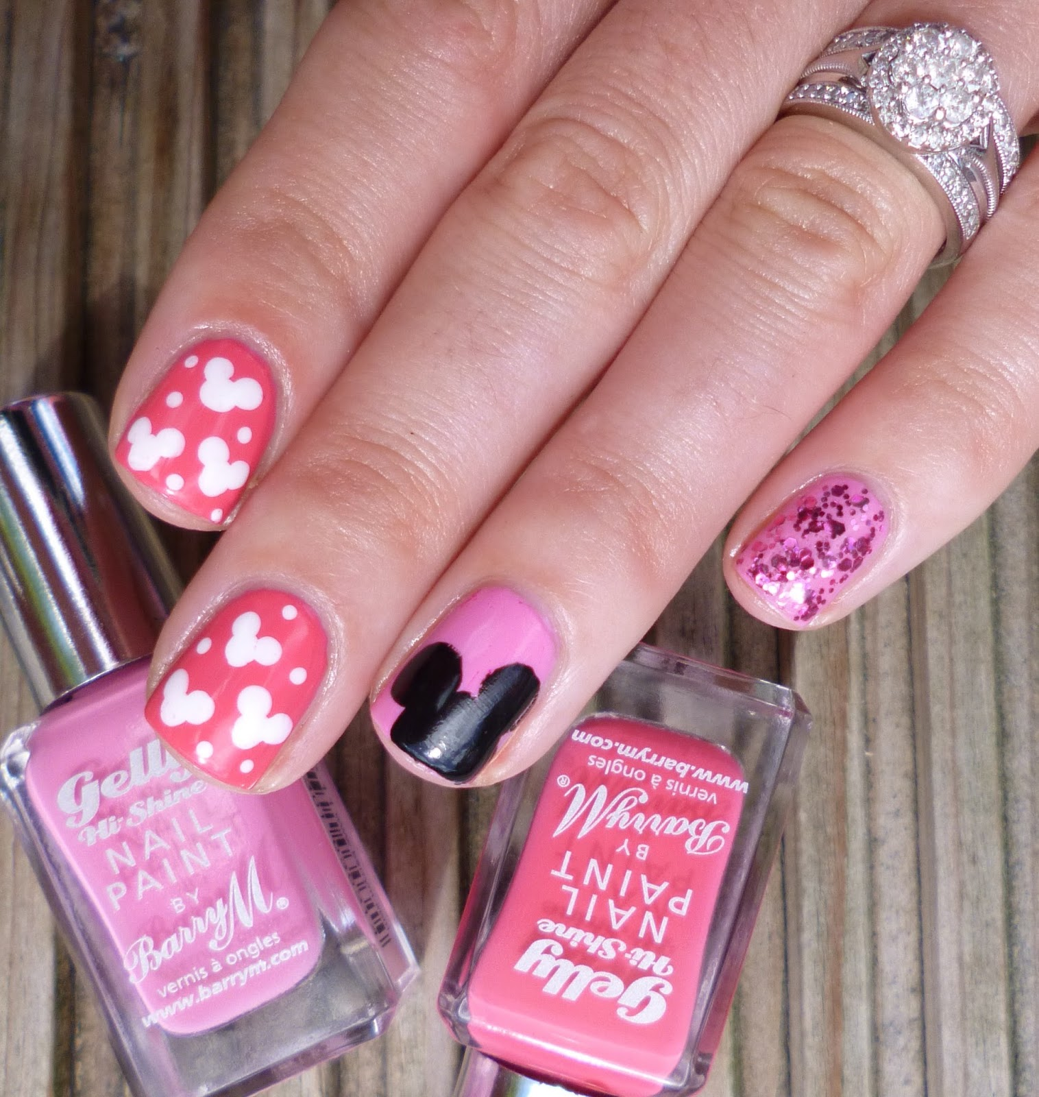 Minnie Mouse Nails: Lou Is Perfectly Polished: Minnie Mouse Nails For Millie Moo
