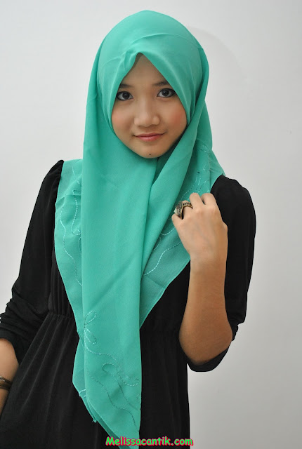 Koleksi Gadis Berhijab Cantik Jadi Foto Model Terbaru 2014