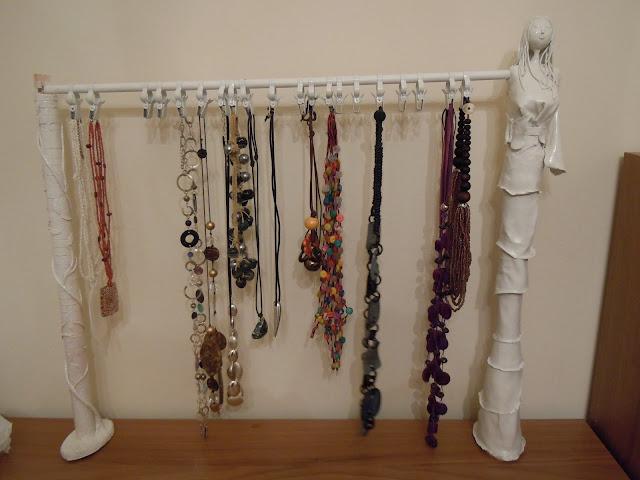 La vita tutta un click portacollane fai da te - Porta gioielli fai da te ...