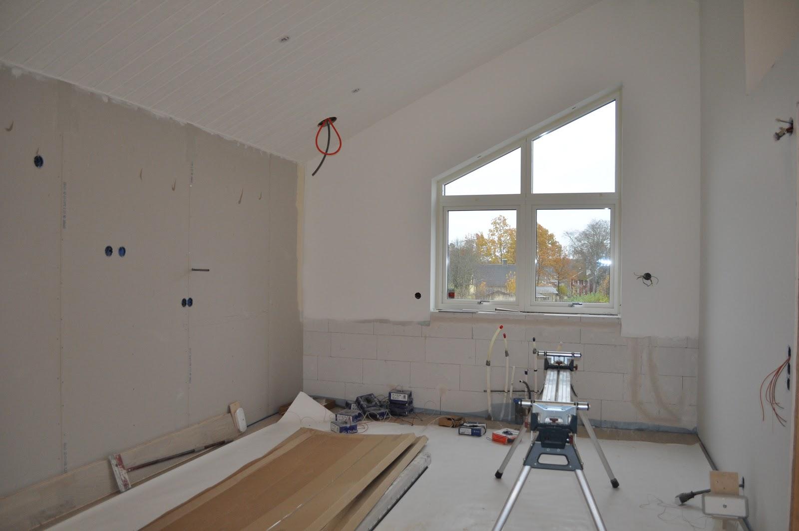 Uffes bygg: november 2012