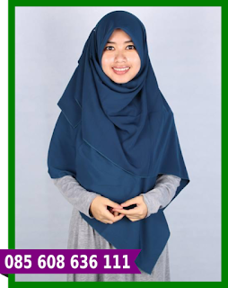 Hijab segi empat buat pesta