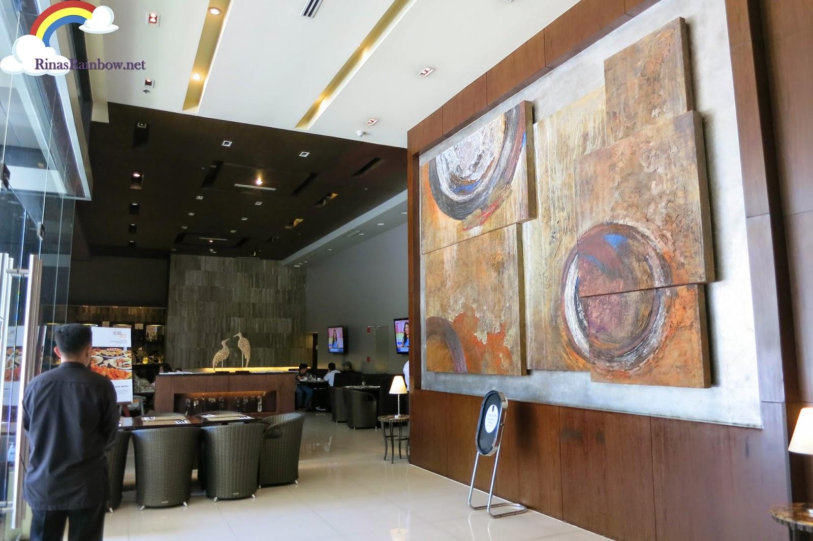 lobby B hotel