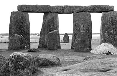 Hot Essays: Essay on Stonehenge