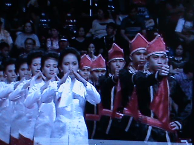 GROUP TARI MAENGKET SMK YADIKA MANADO